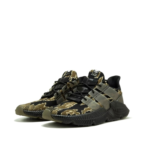 buy popular 65c7f 8dd93 Adidas x Undefeated Prophere Tiger Camo AC8198 9.5 NWT